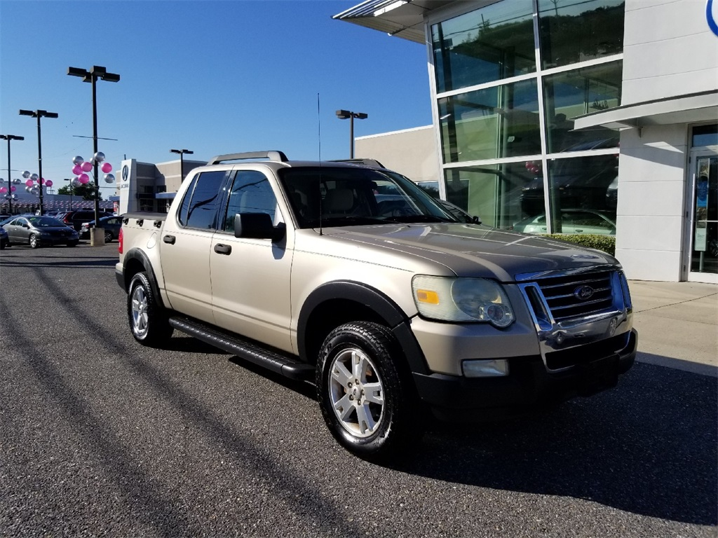 Pre owned 2007 ford explorer sport trac xlt